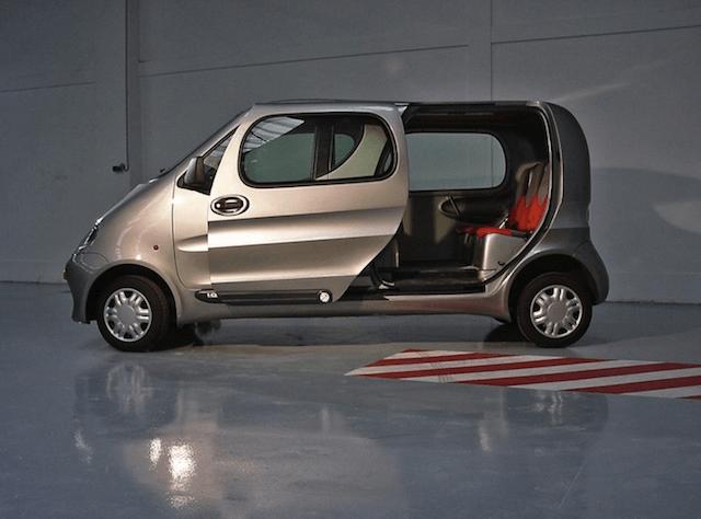 Автомобиль от Tata Motors на воздухе
