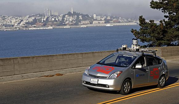 Автомобиль без водителя от Гугл