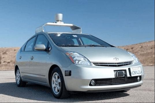 Автомобиль без водителя Toyota Prius