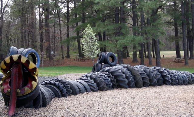 Старые шины как материал для детской площадки