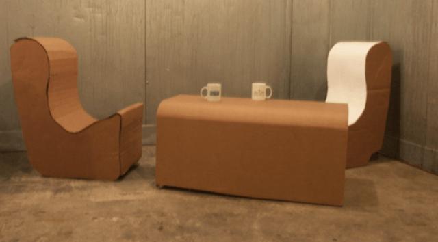 Кресла и столик для кофе