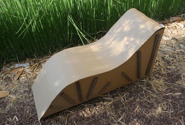 Шезлонг из картона