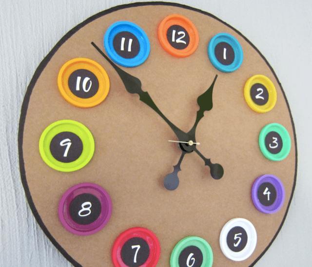 Часы из картона