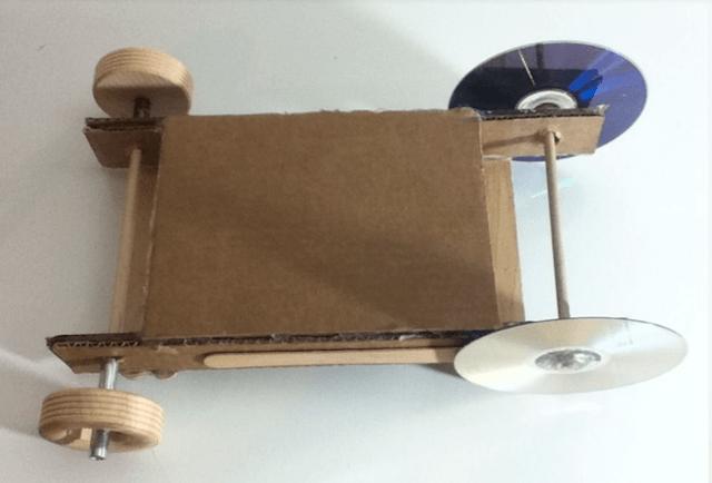 Тачка из картона