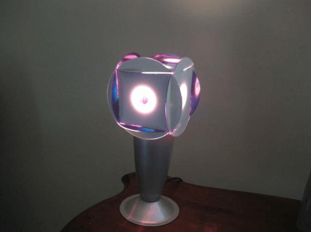 Светильник из CD дисков