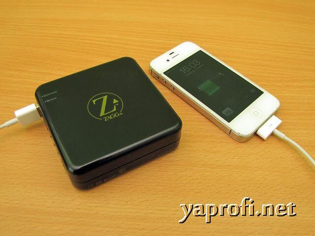 iPhone заряжается от ZAGG Sparq 2.0