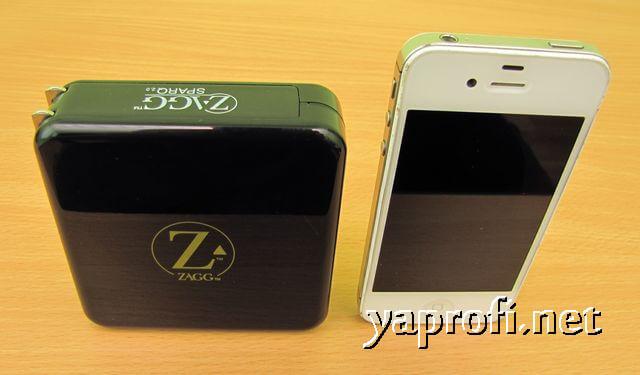 иФон и ZAGG Sparq 2.0 для сравнения