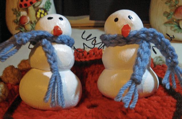 Пример снеговика из соленого теста