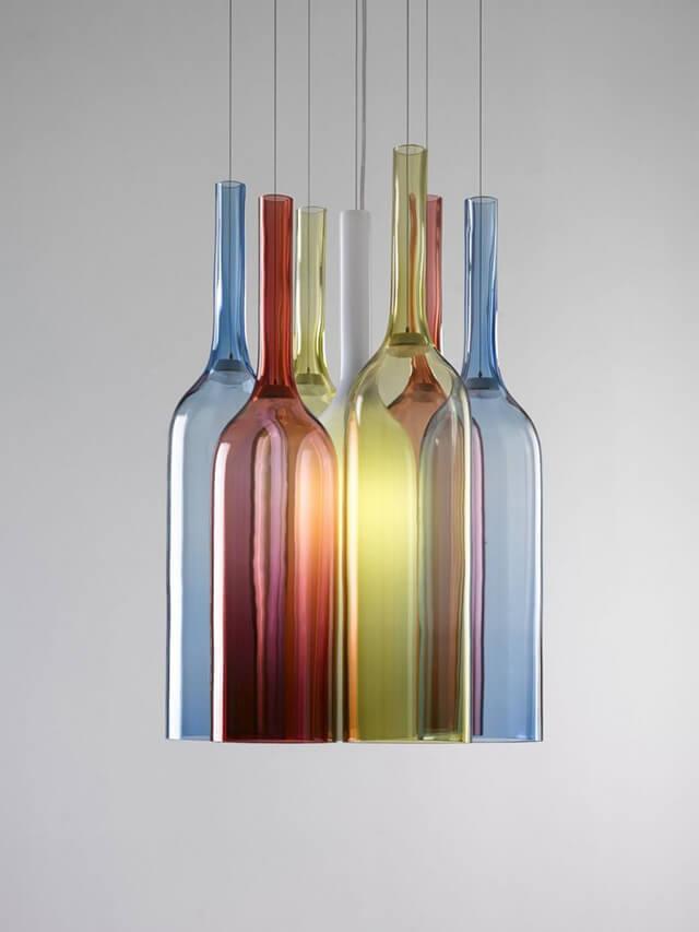 Светильник из стеклянных бутылок