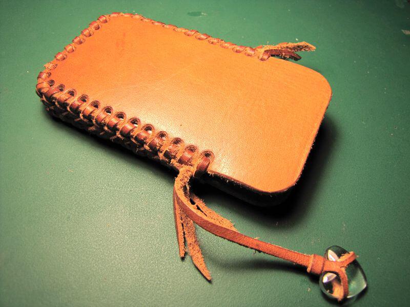 Чехол для телефона с оплёткой из кожаной тесьмы
