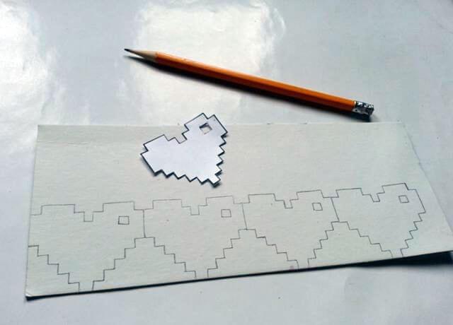 Обводим данный шаблон карандашом