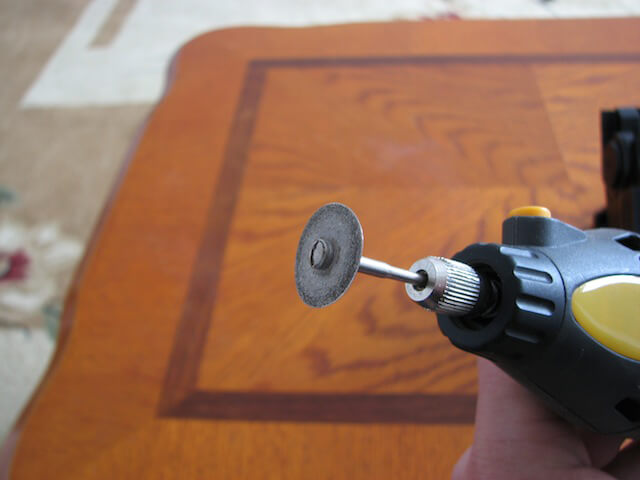 Применяем отрезной круг с алмазным напылением