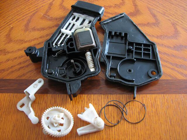 Полная разборка электрозамка Kia Carens
