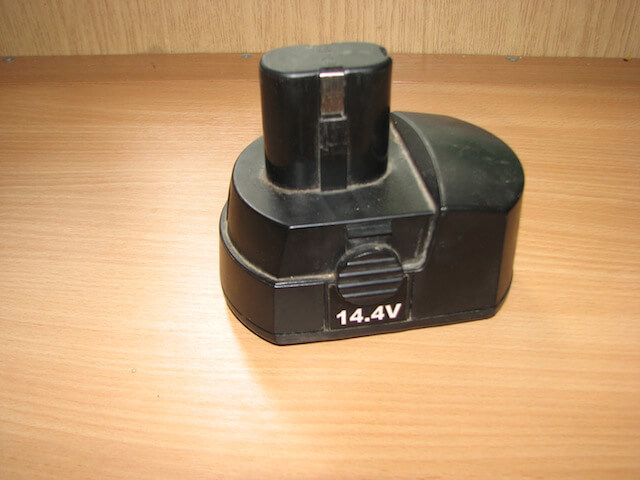 батарея шуруповерта Stern