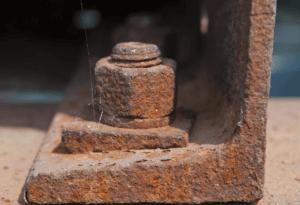 Как открутить заржавевший болт